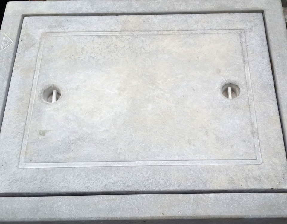 COMPRESSED MANHOLE COVER